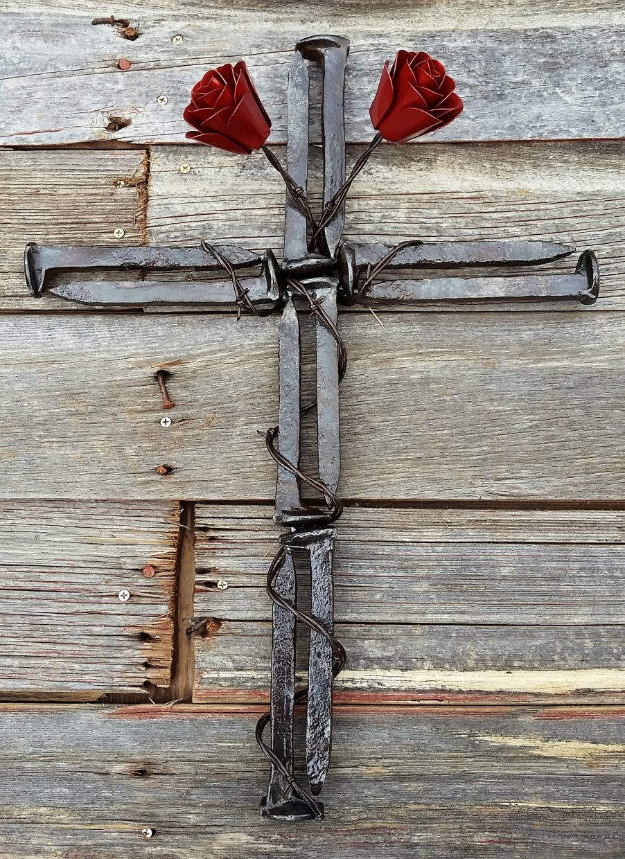 Uses Of Barb Wire : Sd man uses metal and barbed wire to make rustic roses