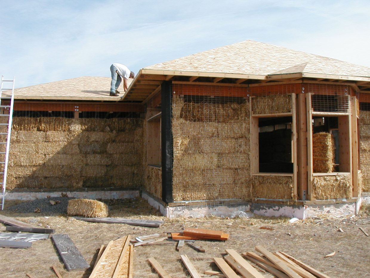 Living Outside The Box Alternative Building Materials Give